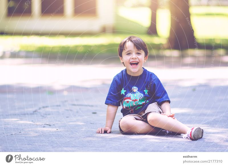 happy child Lifestyle Joy Vacation & Travel Adventure Freedom Human being Masculine Child Toddler Boy (child) Infancy 1 3 - 8 years Smiling Laughter Sit