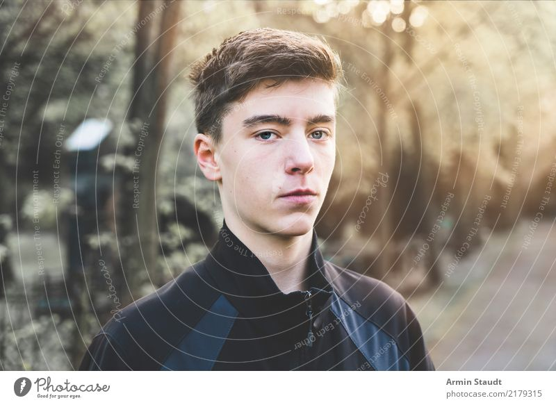 Portrait Lifestyle Style Beautiful Senses Relaxation Human being Masculine Young man Youth (Young adults) Head 1 13 - 18 years Autumn Winter Beautiful weather