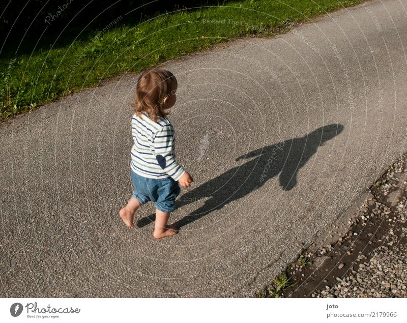 walk Vacation & Travel Trip Adventure Far-off places Freedom Summer Summer vacation Child Toddler 1 Human being 1 - 3 years Observe Walking Infinity Curiosity
