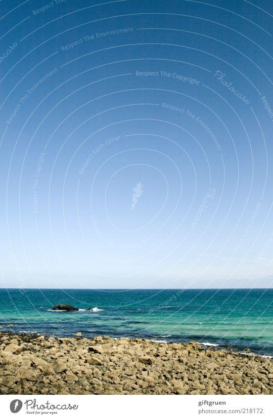 striated Environment Nature Landscape Elements Water Sky Cloudless sky Waves Coast Beach Ocean Island Esthetic Wet Natural Horizon Infinity Extensive boundless