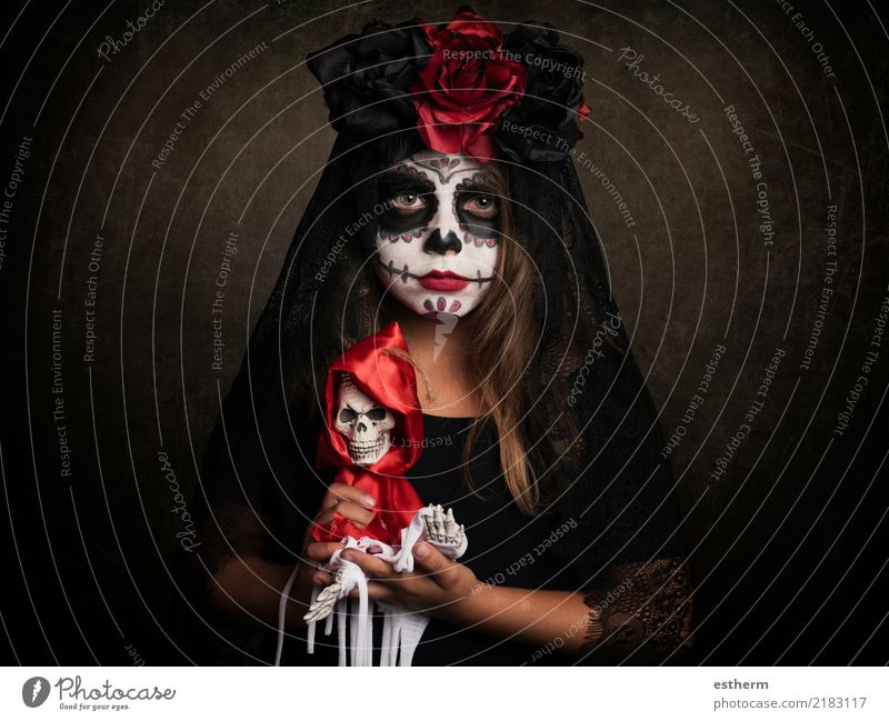 girl on halloween Lifestyle Entertainment Party Event Feasts & Celebrations Carnival Hallowe'en Human being Feminine Girl Infancy 1 3 - 8 years Child Movement
