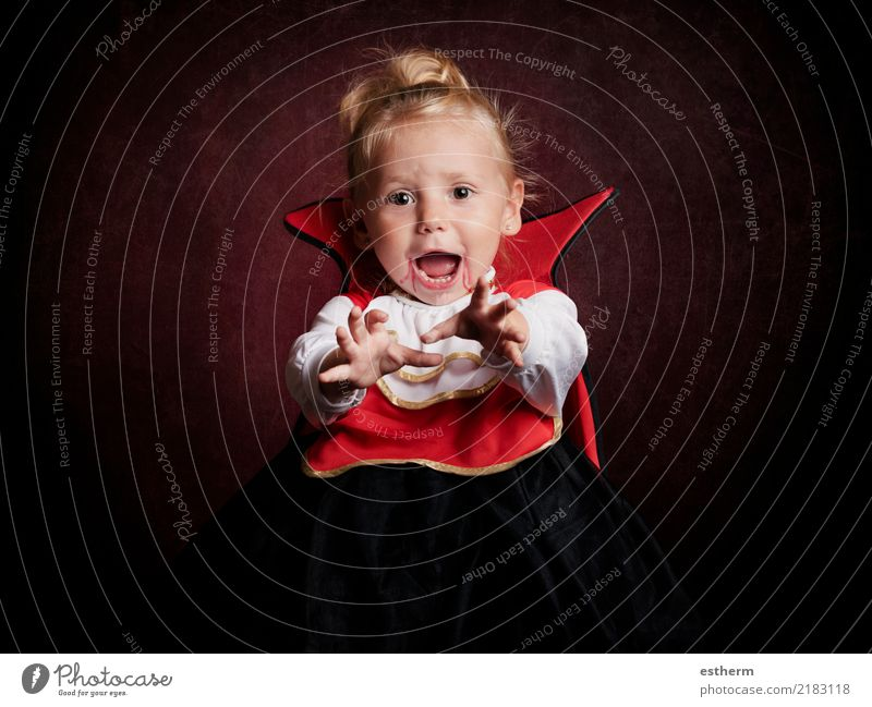 baby on halloween Lifestyle Joy Party Event Feasts & Celebrations Carnival Hallowe'en Human being Feminine Baby Girl Infancy 1 0 - 12 months Movement Smiling