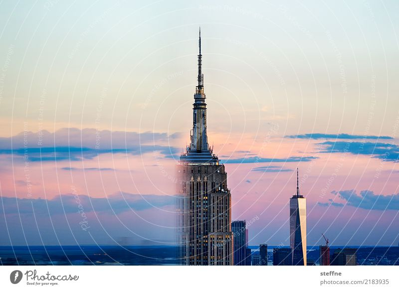 The Empire Strikes Back|04 New York City Tourist Attraction Landmark Empire State building Skyline Manhattan Sunset Dusk