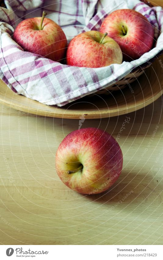 Red Nutrition Yellow Healthy Food Gold Fruit Fresh Apple Still Life Diet Organic produce Bowl Towel Vegetarian diet Slow food