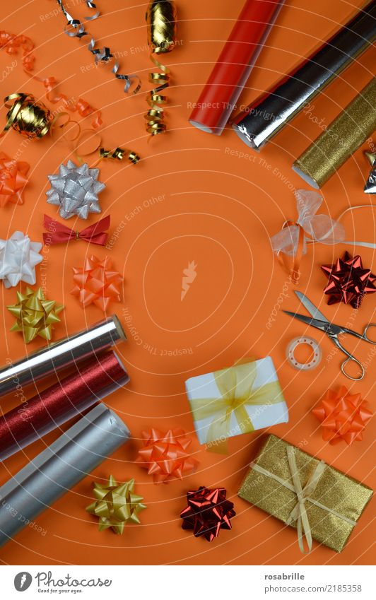 Happy Party Feasts & Celebrations Orange Friendship Decoration Birthday Happiness Shopping Paper Desire Surprise Luxury Workplace Anticipation Packaging