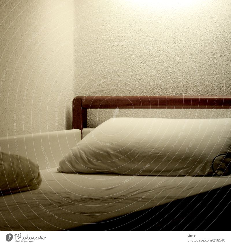 White Brown Bed Hotel Services Wrinkles Beige Individual Cushion Sheet Bedroom Duvet Boarding house Atmosphere Mattress