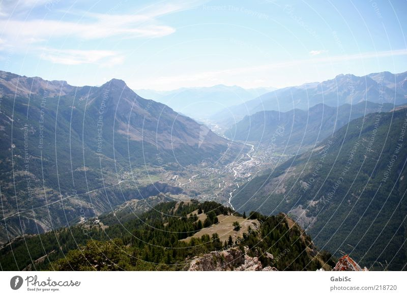Summer Far-off places Relaxation Mountain Landscape Contentment Happiness Alps Joie de vivre (Vitality) Peak Discover Beautiful weather Blue sky Valley