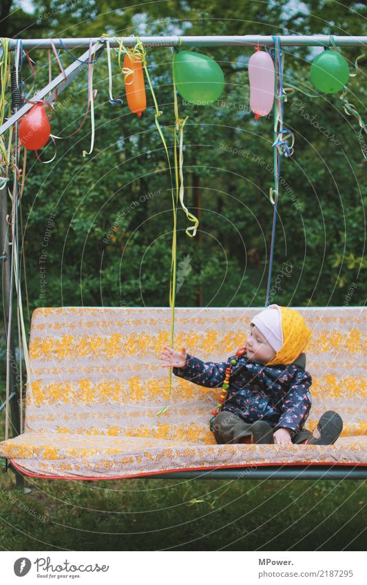2 Human being Child Toddler 1 0 - 12 months Baby Laughter Study Birthday Balloon Feasts & Celebrations Swing Party Children's Party Joy Discover Colour photo