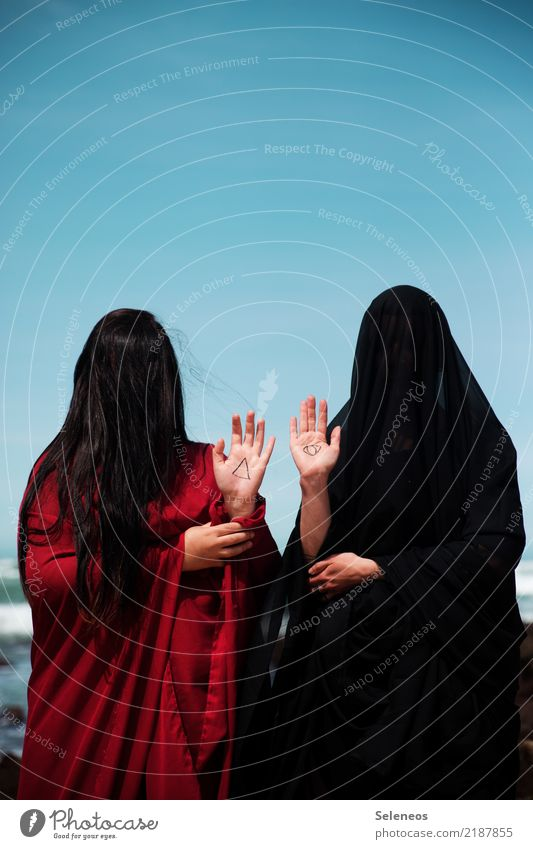WITCHCRAFT Carnival Hallowe'en Human being Feminine Woman Adults Hair and hairstyles Arm Hand 2 Cloudless sky Horizon Ocean Black-haired Long-haired Sign