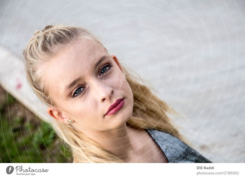 Human being Youth (Young adults) Young woman Beautiful Eroticism 18 - 30 years Adults Feminine Exceptional Gray Body Modern Blonde Uniqueness Cool (slang)
