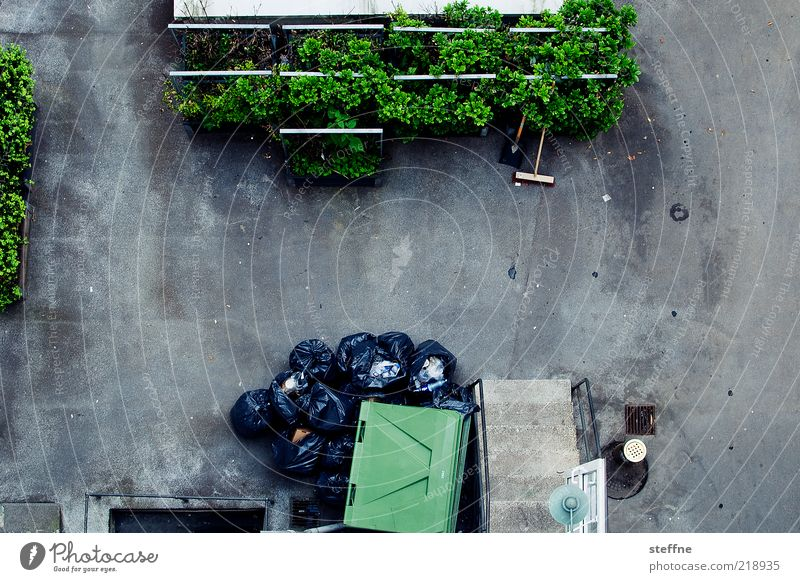 wasted Environment Flowerbed Gray Green Interior courtyard Trash Trash container Broom Clean Dirty Squander Environmental pollution Cleaning Bird's-eye view