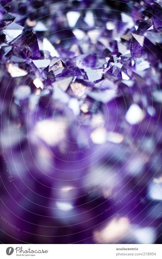 Nature Beautiful Stone Glittering Time Violet Pure Point Mysterious Illuminate Sharp-edged Precision Minerals Pyramid Reflection Experimental