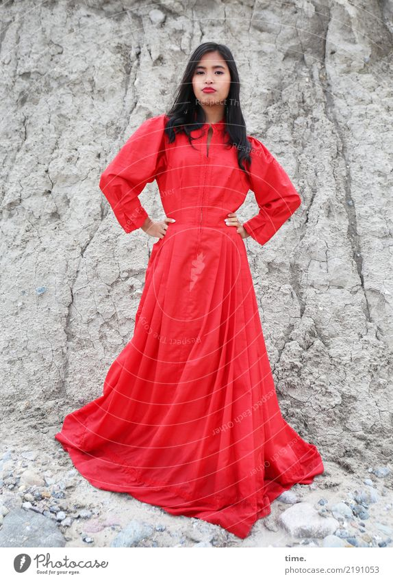 Pinkaholickaye Feminine Woman Adults 1 Human being Rock Dress Black-haired Long-haired Observe To hold on Looking Stand Gray Red Willpower Brave Endurance