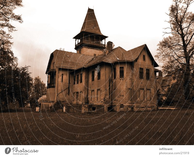mysterious house House (Residential Structure) Villa Building Mysterious Eerie Derelict Black & white photo Old Loneliness Sepia