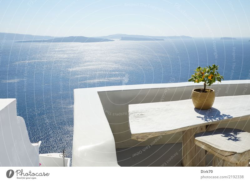 Vacation & Travel Plant Summer Tree Ocean Calm Far-off places Wall (building) Coast Wall (barrier) Tourism Bright Idyll Island Table Tourist Attraction