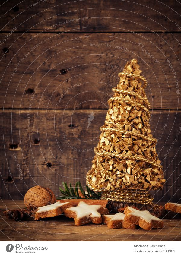 Christmas & Advent Winter Sweet Delicious Candy Organic produce Tradition Christmas tree Baked goods Dough Rustic Snack Holiday season Cinnamon Walnut
