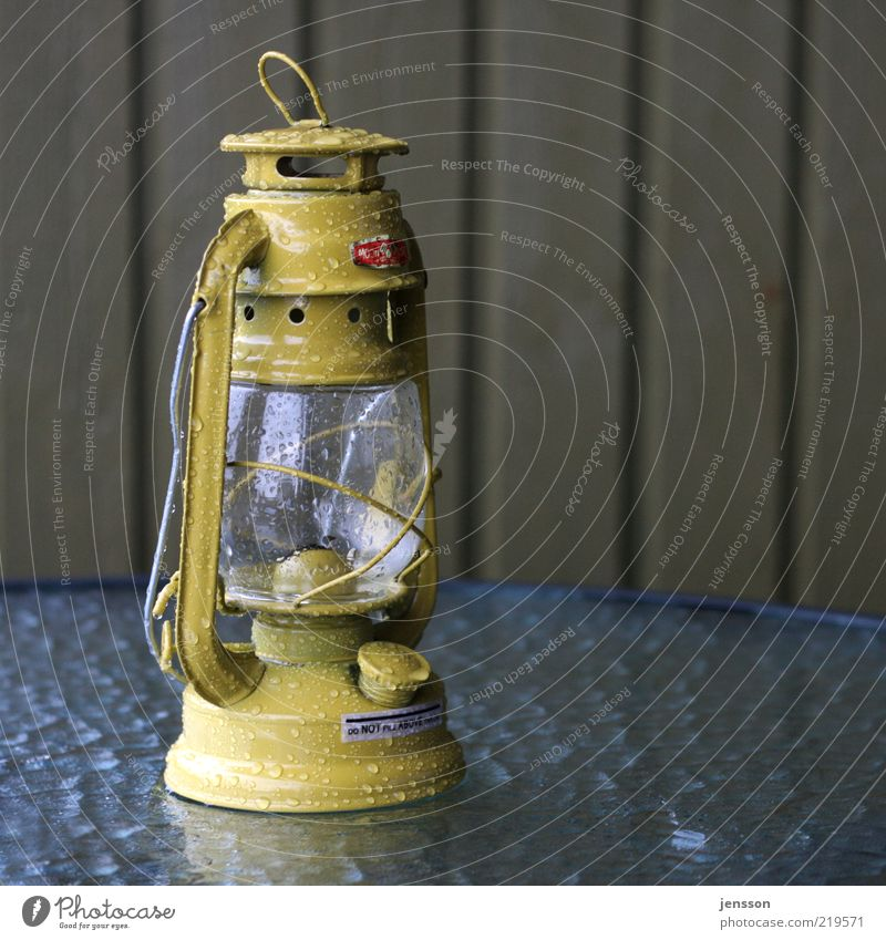 Yellow Lamp Dark Glass Wet Drops of water Retro Lantern Illuminate Old fashioned Classic Collector's item Oil lamp Object photography