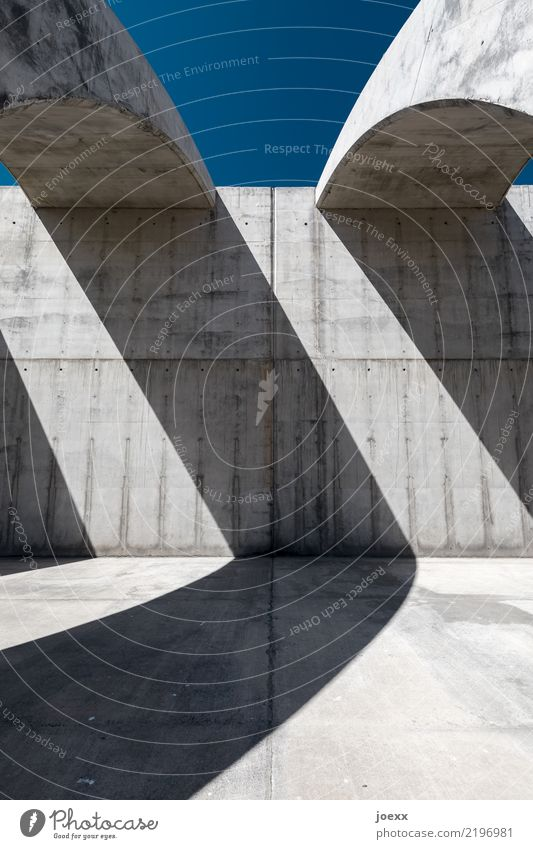 Blue Architecture Wall (building) Cold Wall (barrier) Gray Modern Esthetic Large Tall Concrete Manmade structures
