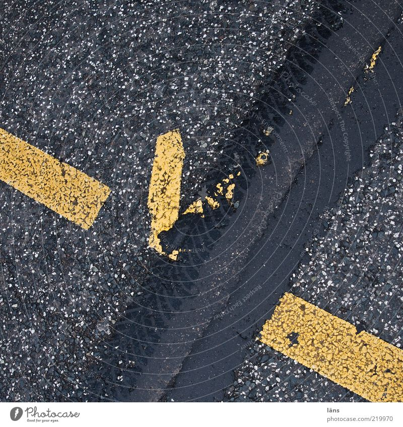 Yellow Street Movement Gray Lanes & trails Signs and labeling Speed Broken Asphalt Tracks Stripe Traffic infrastructure Chaos Tar Pattern Skid marks