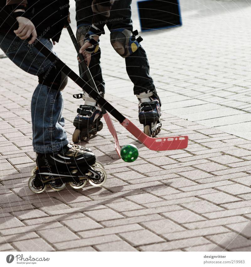 "<font color=""#ffff00"">-=Rock´n=- sync:ßÇÈâÈâ Leisure and hobbies Playing Ball sports Inline skates Roller skates Hockey stick Hockey player Child Infancy"