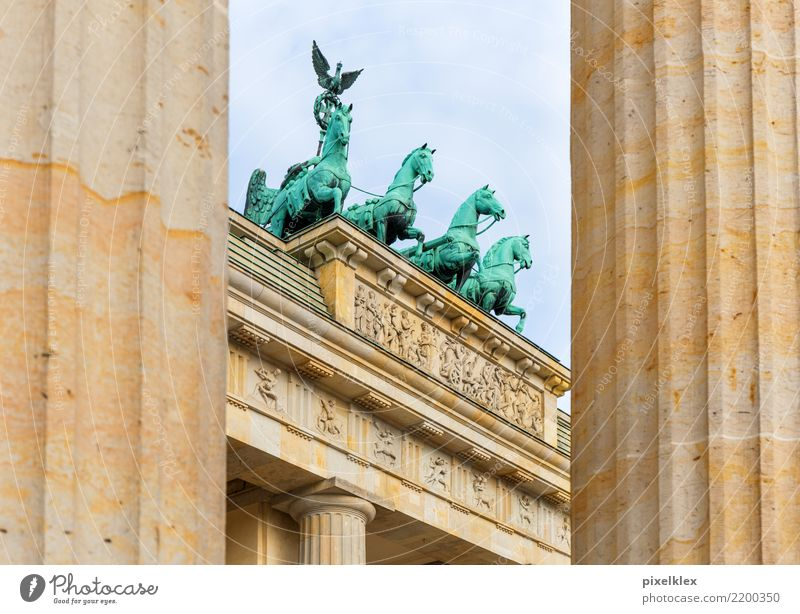 Brandenburg Gate Vacation & Travel Tourism Freedom Sightseeing City trip Berlin Downtown Berlin Germany Europe Town Capital city Manmade structures Architecture