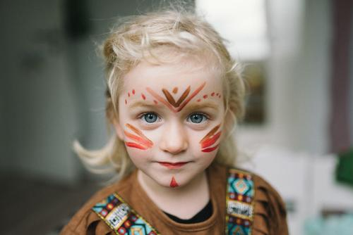 Child Human being Girl Feasts & Celebrations Infancy Blonde Carnival Toddler Kindergarten Make-up Parenting Carnival costume Lipstick Disguised Native Americans
