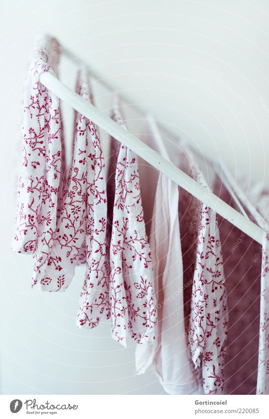 Wash and Go Cloth Fresh Clean Red White Laundry Clothesline Bedclothes Laundered Dry Pattern Cloth pattern Cotheshorse Colour photo Subdued colour Interior shot
