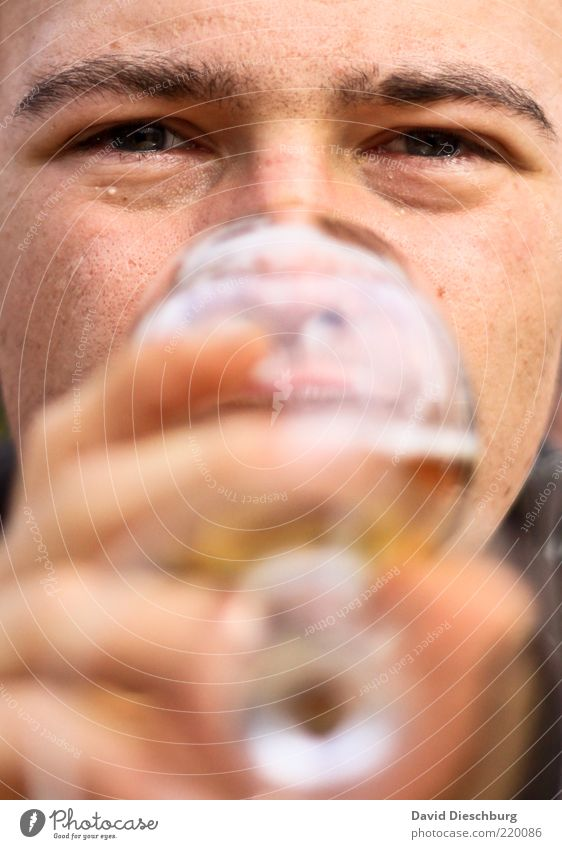 beer consumer Beverage Drinking Cold drink Alcoholic drinks Beer Glass Human being Young man Youth (Young adults) Man Adults Head Face Eyes Lips Hand Fingers 1