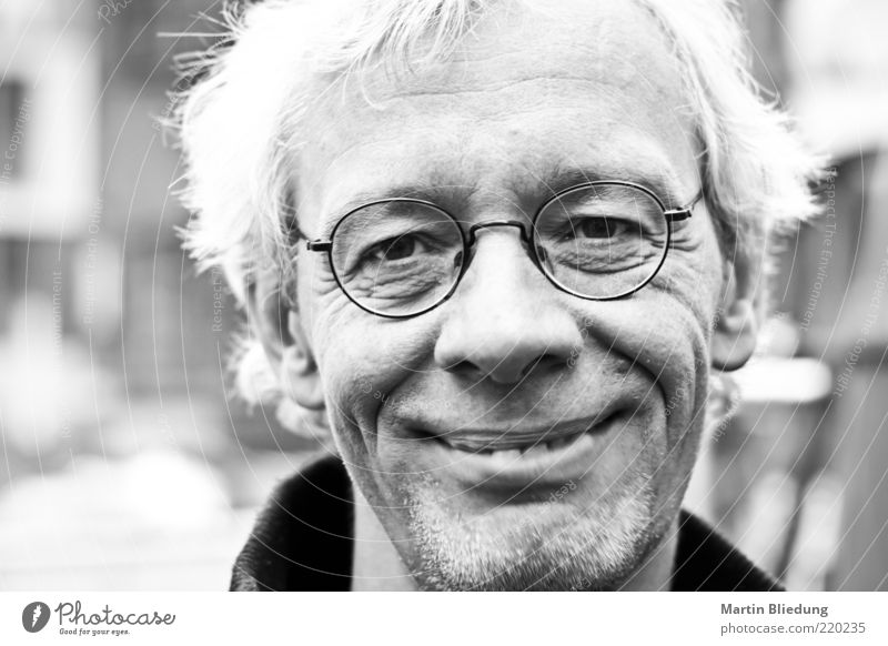 Human being Man Old Adults Face Life Happy Gray Masculine Authentic Free Happiness Smiling Cool (slang) Eyeglasses 45 - 60 years