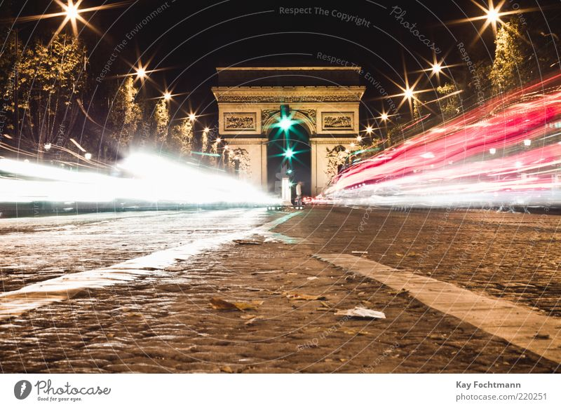 Rush Paris Capital city Downtown Tourist Attraction Landmark Monument Triumphal arch Means of transport Traffic infrastructure Road traffic Motoring Street