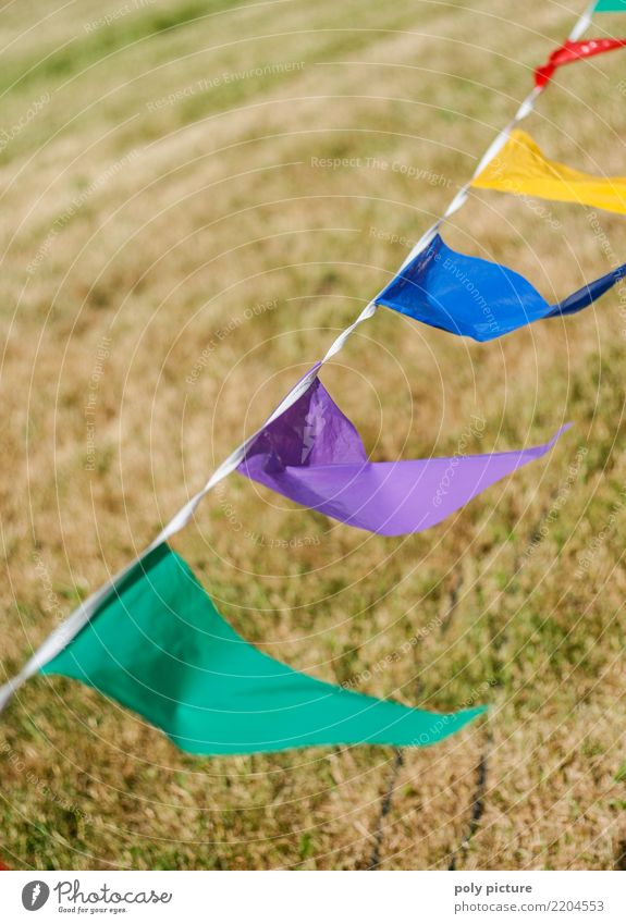 Colourful flags in the wind Lifestyle Athletic Leisure and hobbies Playing Children's game Garden Party Feasts & Celebrations Carnival Oktoberfest