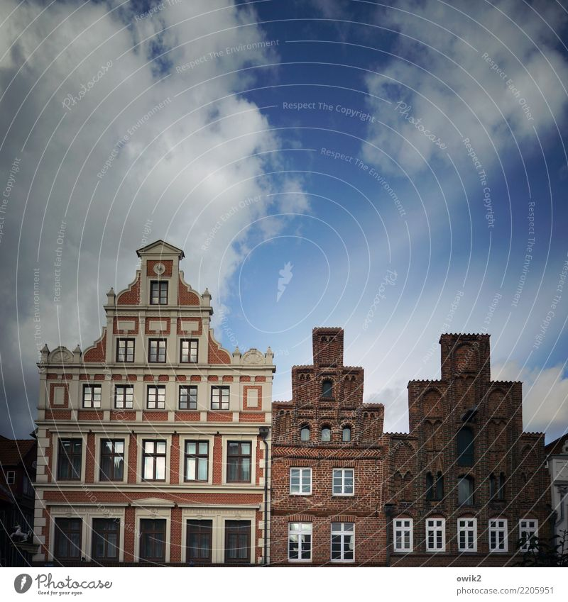 Sky Old Town House (Residential Structure) Clouds Window Wall (building) Building Wall (barrier) Together Facade Illuminate Historic Past Tourist Attraction