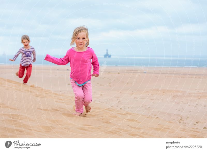 Child Human being Nature Vacation & Travel Summer Ocean Joy Girl Far-off places Beach Lifestyle Feminine Playing Tourism Sand Infancy