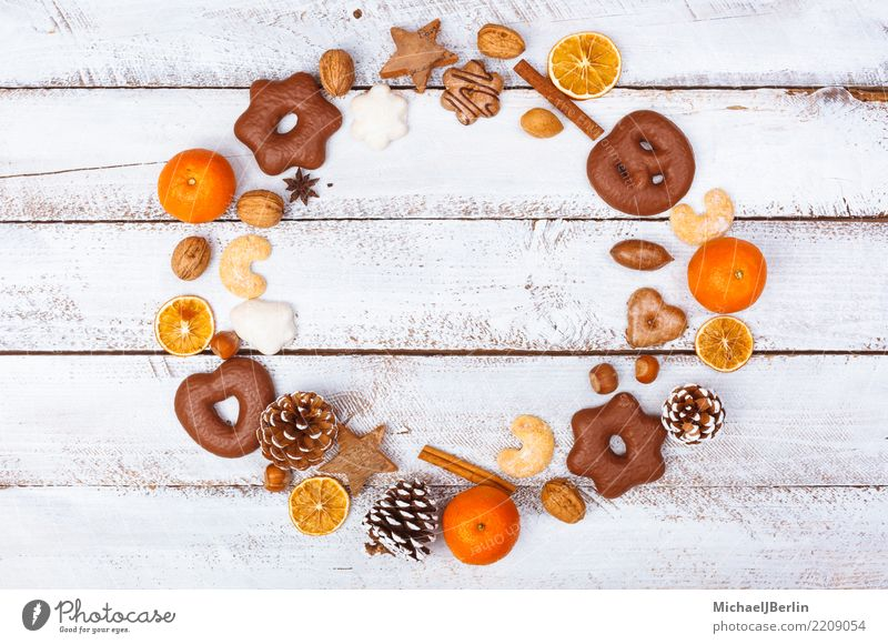 Christmas dinner arranged in a circle Food Nutrition Winter Christmas & Advent Arrangement Arranged Grunge Gingerbread Tangerine Cinnamon Table White