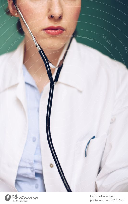 Doctor 41 Work and employment Profession Feminine Woman Adults Human being 30 - 45 years Competent Smock Workwear Protective clothing Stethoscope Listening