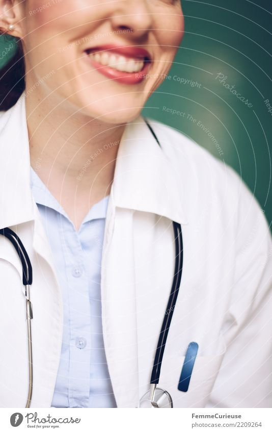 Doctor 03 Work and employment Profession Feminine Young woman Youth (Young adults) Woman Adults 1 Human being 18 - 30 years 30 - 45 years Competent Trust