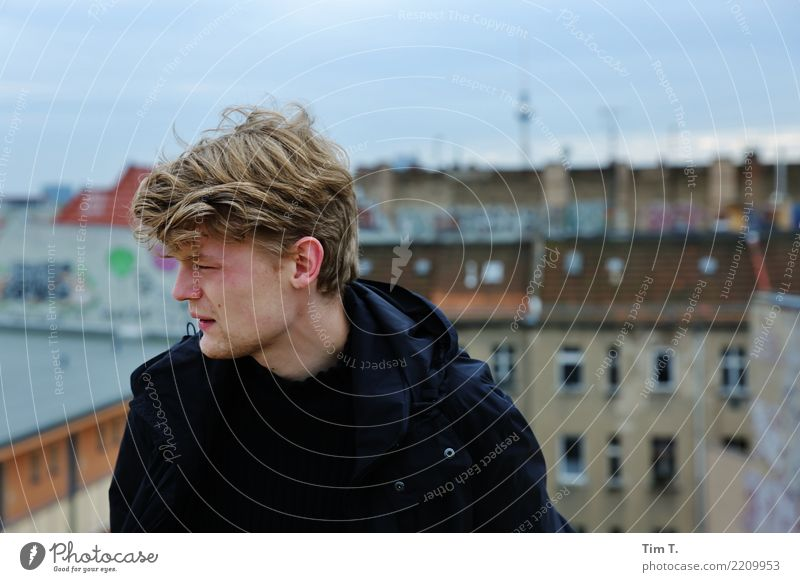 future Human being Masculine Youth (Young adults) Life Head Hair and hairstyles Face 1 18 - 30 years Adults Prenzlauer Berg House (Residential Structure) Roof