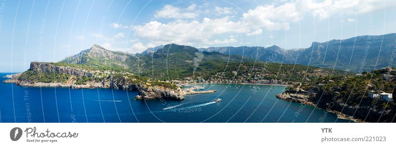 port de sóller Town Port City Tourist Attraction Transport Traffic infrastructure Navigation Boating trip Driving Exceptional Far-off places Large Blue