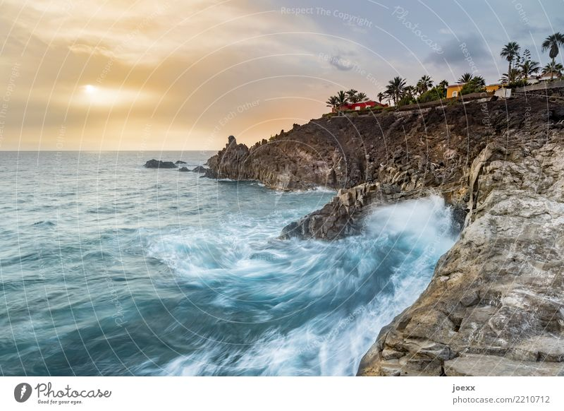 Down hui Vacation & Travel Ocean Island Waves Water Sky Clouds Summer Beautiful weather Rock Coast La Palma Maritime Wild Wanderlust Horizon Colour photo