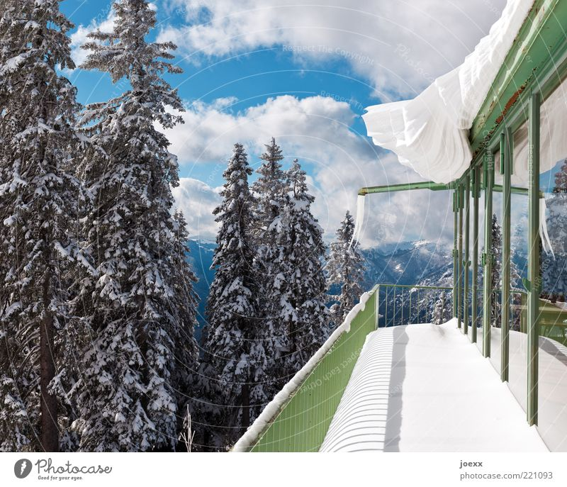 Seasonal canopy Nature Sky Clouds Winter Beautiful weather Ice Frost Snow Mountain Facade Balcony Roof Eaves Blue Green White Cold Dangerous Snowscape Snowdrift