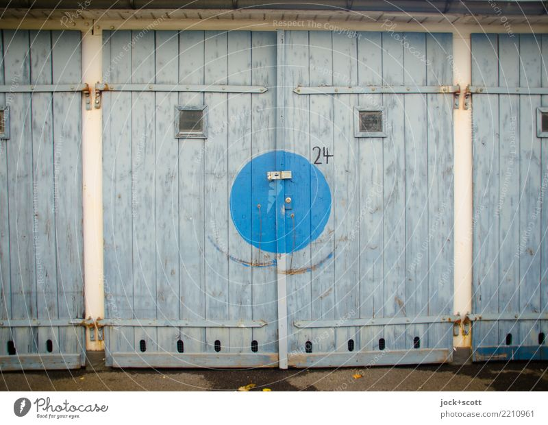 Goal with a smile Garage Garage door wood Digits and numbers Circle Exceptional Happiness Uniqueness Positive Retro Blue Moody Contentment Inspiration Change