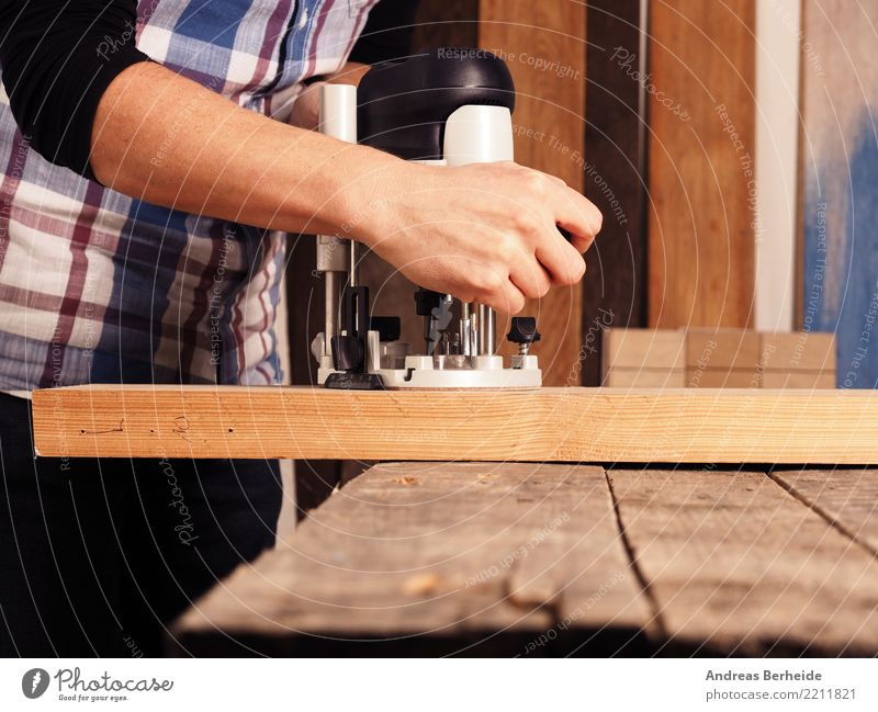 milling Adult Education Profession Craftsperson Workplace Craft (trade) Business Human being Man Adults Body 1 30 - 45 years Work and employment wood machine