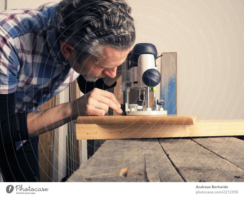 Working with wood Adult Education Craftsperson Workplace Craft (trade) Business SME Tool Machinery Human being Man Adults 1 Work and employment Tradition