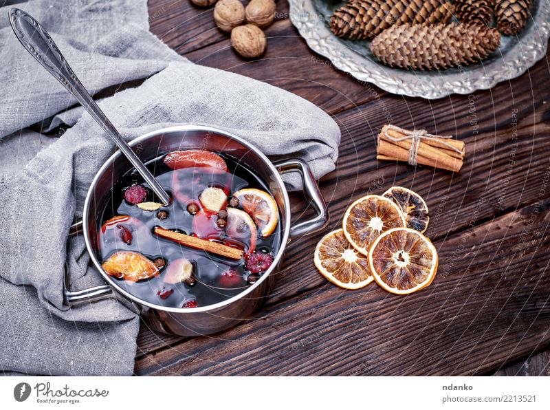 mulled wine Christmas & Advent Red Winter Wood Feasts & Celebrations Brown Above Table Herbs and spices Beverage Hot Apple Tradition Alcoholic drinks Sugar