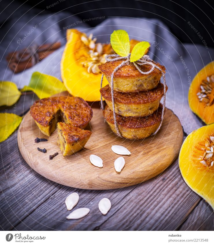 sweet pumpkin muffins Leaf Eating Yellow Autumn Wood Fresh Table Kitchen Vegetable Candy Hot Breakfast Tradition Dessert Bread Baked goods