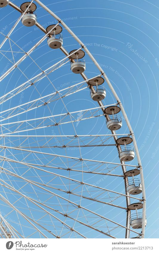 Riesenrad vor blauem Himmel Transport Means of transport Ferris wheel Funny Moody Optimism Marseille White Blue sky Ferry Amusement Park Fairs & Carnivals