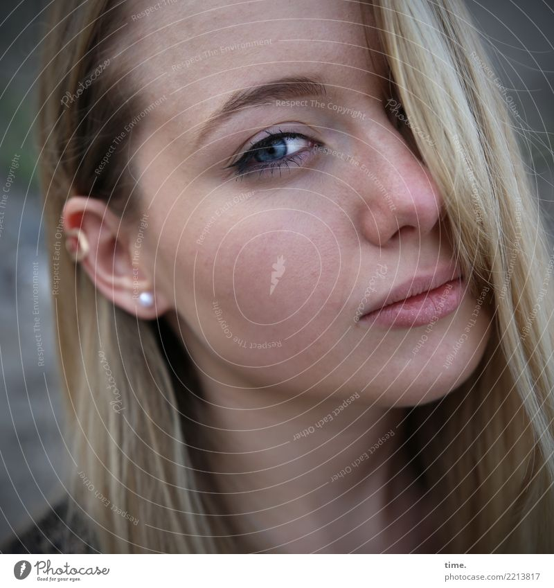 . Feminine Woman Adults 1 Human being Jewellery Piercing Blonde Long-haired Observe Think Looking Wait Beautiful Cool (slang) Passion Safety Protection