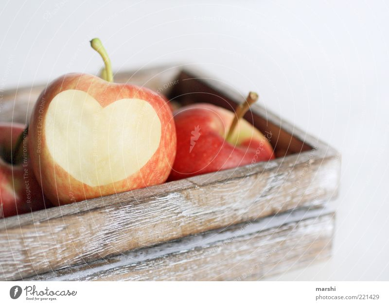 I Love Apple Food Fruit Nutrition Organic produce Vegetarian diet Delicious Yellow Red Heart Heart-shaped Box Wooden box Isolated Image Passion Juicy Vitamin