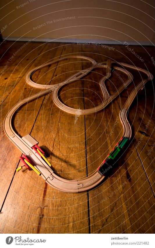 Toy train Leisure and hobbies Playing Model railroad Children's game Flat (apartment) Room Children's room Wooden toy Railroad Toys Winding road Transport