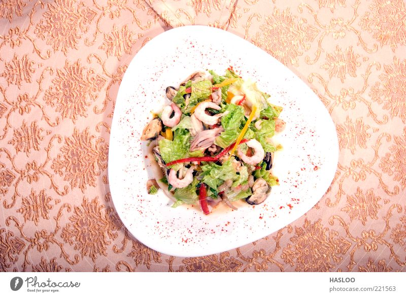Salad made of seafood Ocean Green Red Yellow Healthy Food Fresh Cooking & Baking Restaurant Vegetable Luxury Dish Delicious Appetite Dinner Meal